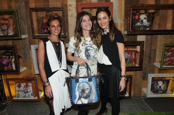 Elisa Sednaoui with the designers of Rons Bags