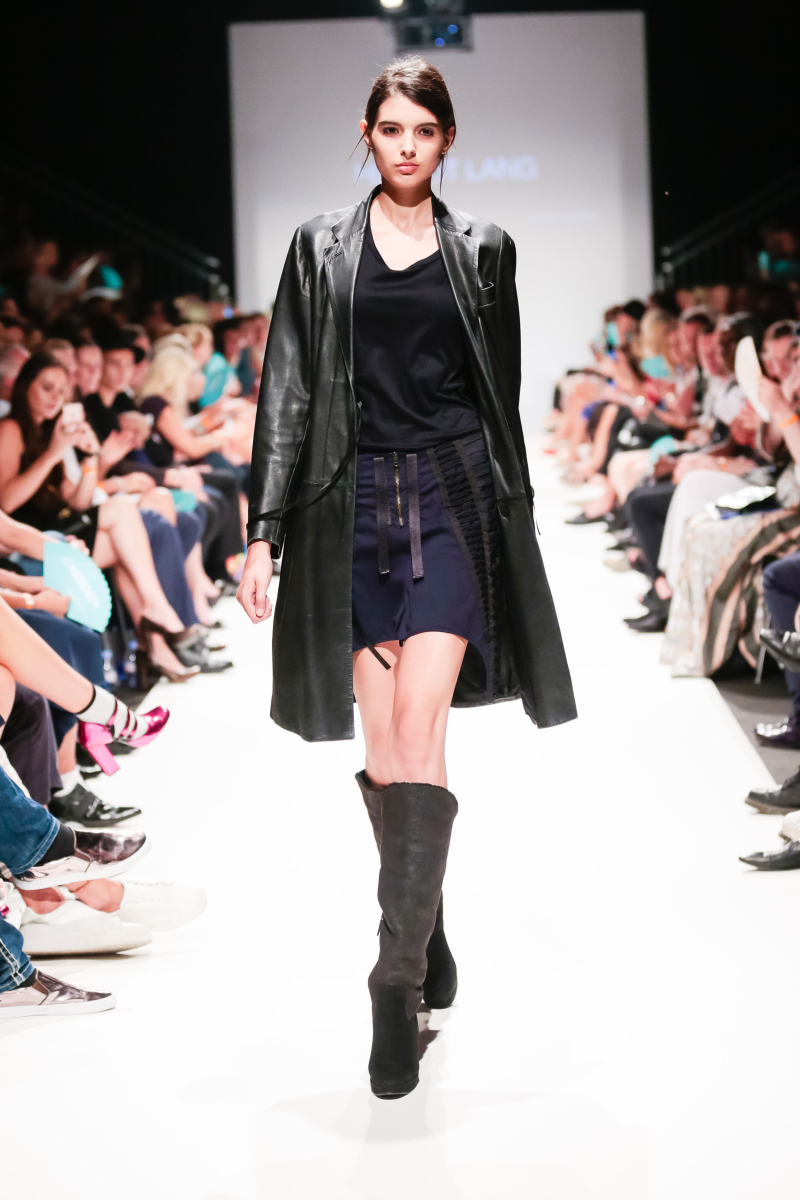 TL-2016-09-12-MQVFW-20-00h-a-Opening Show-024
