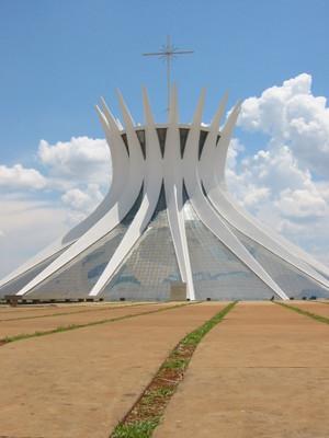 Cathedral_brasilia_niemeyer