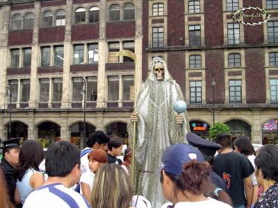 Santa_muerte_in_tepito